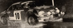 IIème Ronde Luronne 1977 Fiche technique : 2ème édition 1977, le 30 avril & 1er mai 1977. 4ème épreuve du championnat fédéral des rallyes, zone Nord-Est (coef. 3). Organisée par l'A.S.A. Luronne. Compte aussi pour le championnat SRT des rallyes. Patronné par Christine Laure. Ouvert aux groupes 1 à 5. Parcours long de 310 km sous forme d'une boucle dont 270 km de spéciale (10 au total). Départ de Servance le 1er Mai à 6 heures; Arrivée à Servance le 1er Mai à 19 heures. 110 partants, 54 classés. Conditions atmosphériques : pluie. Engagements : 1000 F (+- 153 €); […]